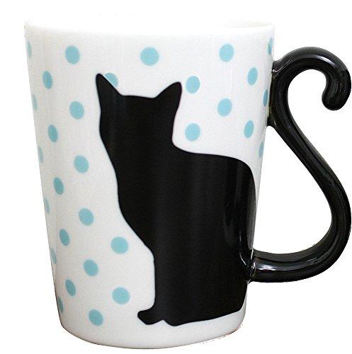 Taza de gato negro con lunares